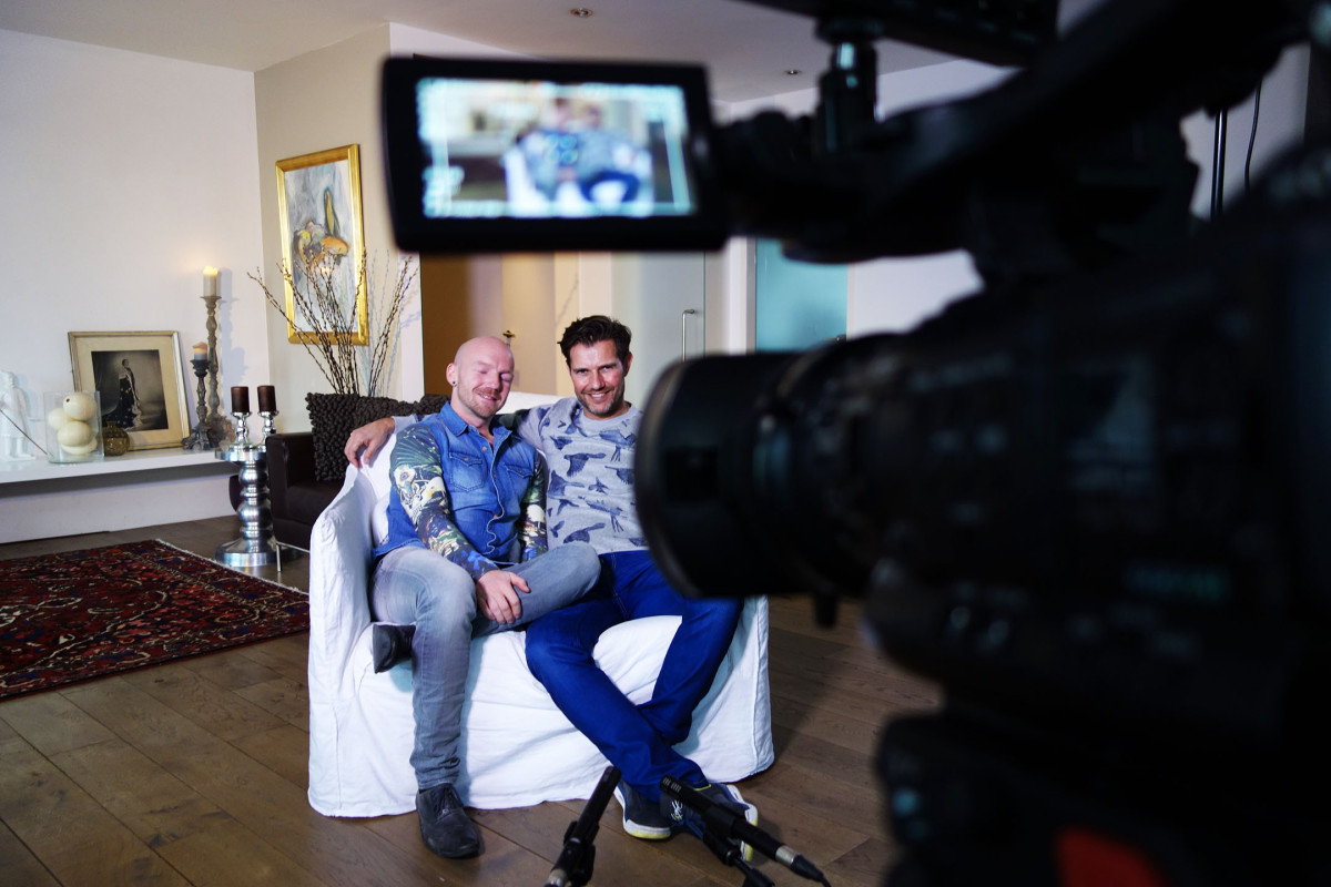 gay couple Johan and Gertjan in Net5 VIVA #pillowtalk talking about relation and sex