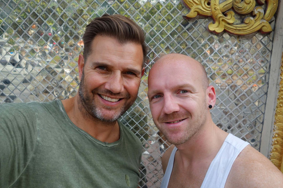 Chiangmai #ourbigmove holiday gay couple Johan and Gertjan North Thailand nightlife Spicy Zoe in Yellow